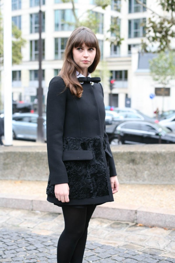 Felicity-Jones-Paris-Fashion-Week-Spring-2013-600x899