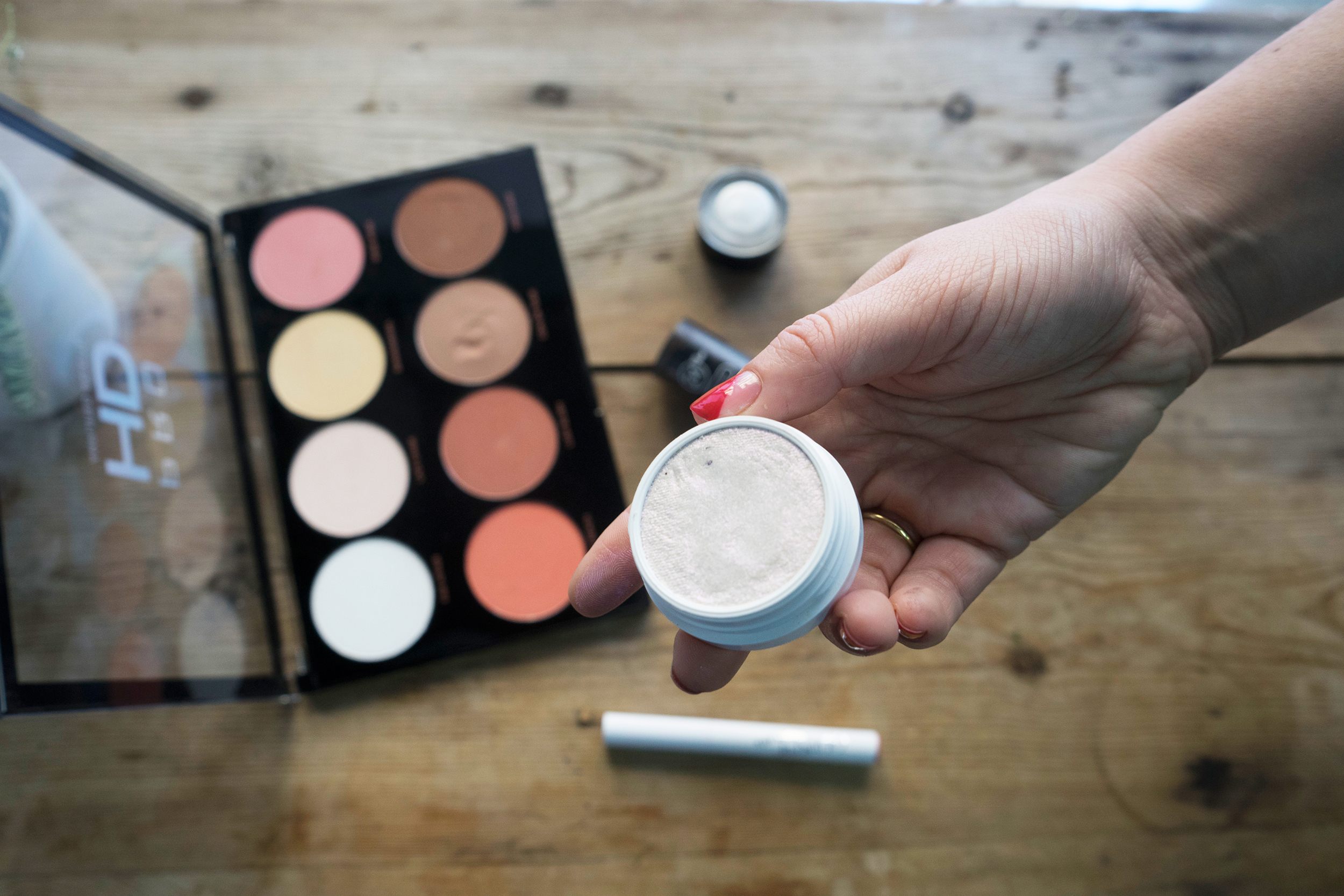 Maquillaje Low cost colourpop iluminador