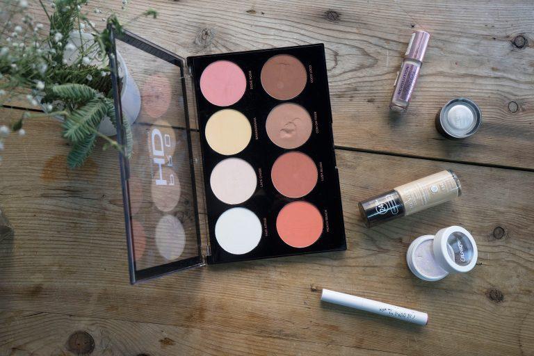 maquillaje-indacloset-revolution